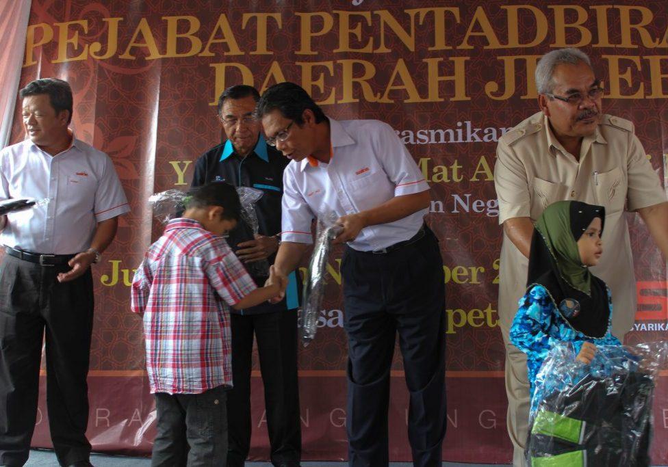 CSR N9-TALK ON WATER CONSERVATION BY PENGURUSAN ASET AIR BERHAD TO CHILDREN IN JELEBU (1)
